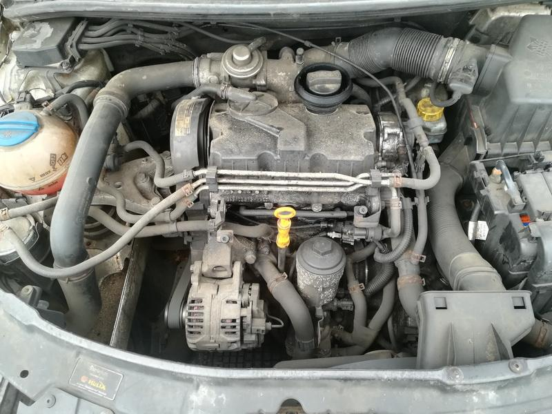 Naudotos automobiliu dallys Foto 2 Skoda ROOMSTER 2007 1.4 Mechaninė Komercinis 4/5 d. Balta 2019-7-26 A4658