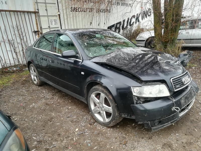 Naudotos automobiliu dallys Foto 3 Audi A4 2002 2.5 Mechaninė Sedanas 4/5 d. Juoda 2019-11-09 A4883