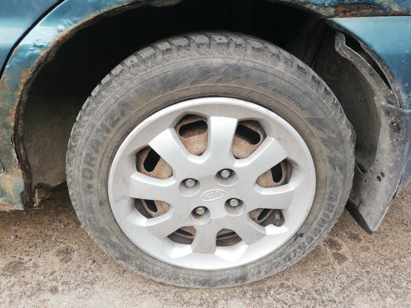 Naudotos automobiliu dallys Foto 9 Kia RIO 2003 1.3 Mechaninė Hečbekas 4/5 d. Melyna 2019-9-09 A4738