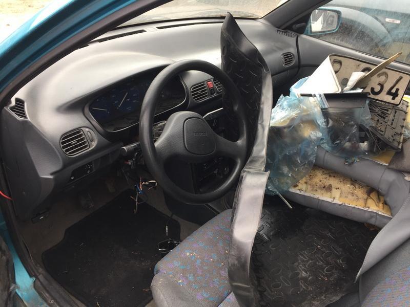Naudotos automobilio dalys Mazda 121 1995 1.3 Mechaninė Sedanas 4/5 d. Zydra 2018-9-18