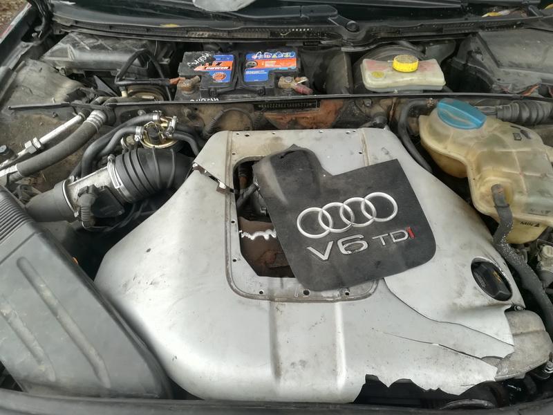 Naudotos automobiliu dallys Foto 2 Audi A4 2002 2.5 Mechaninė Sedanas 4/5 d. Juoda 2019-11-09 A4883