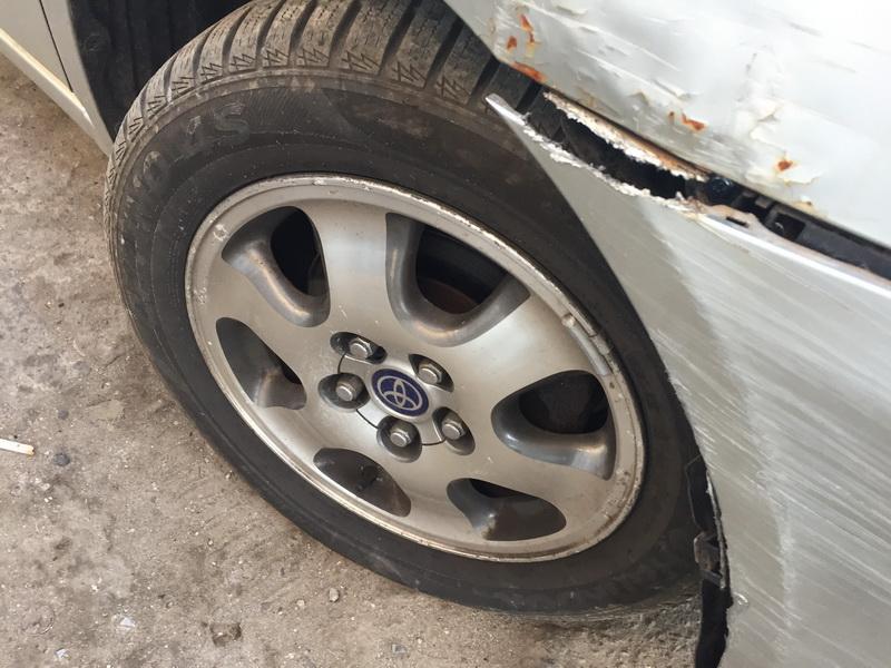 Naudotos automobiliu dallys Foto 7 Toyota AVENSIS VERSO 2004 2.0 Mechaninė Vienatūris 4/5 d. Sidabrine 2018-9-29 A4100