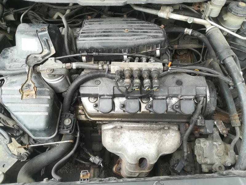 Naudotos automobiliu dallys Foto 2 Honda FR-V 2004 1.7 Mechaninė Vienatūris 4/5 d. Pilka 2019-8-01 A4675
