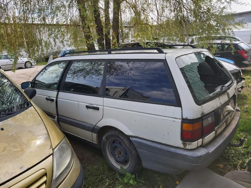 Naudotos automobiliu dallys Foto 5 Volkswagen PASSAT 1993 1.9 Mechaninė Universalas 4/5 d. Balta 2020-5-18 A5286