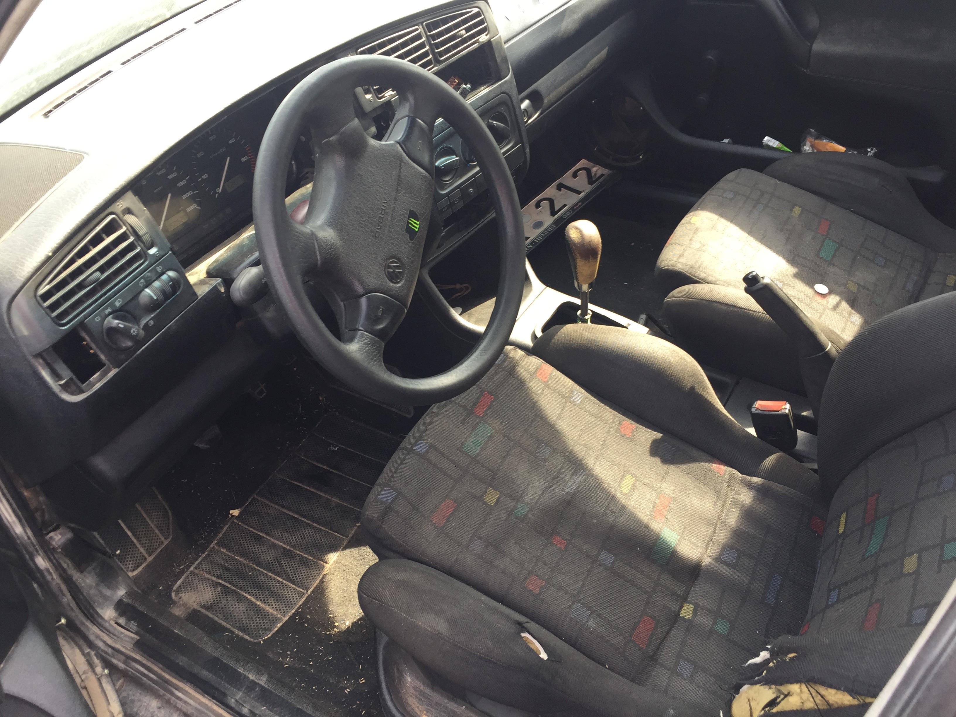 Naudotos automobiliu dallys Foto 5 Volkswagen GOLF 1998 1.9 Mechaninė Universalas 4/5 d. Zalia 2017-8-10 A3396