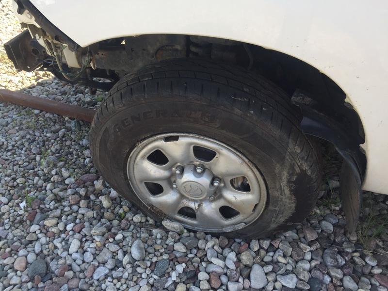 Naudotos automobiliu dallys Foto 5 Toyota HILUX 2012 2.5 Mechaninė Visureigis 4/5 d. Balta 2018-5-16 A3759